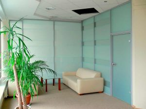виды интерьерных перегородок для офиса и дома