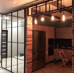 Частный дом, интерьер в стиле лофт с перегородками Минск.