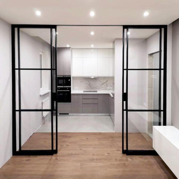межкомнатная перегородка между гостиной и кухней