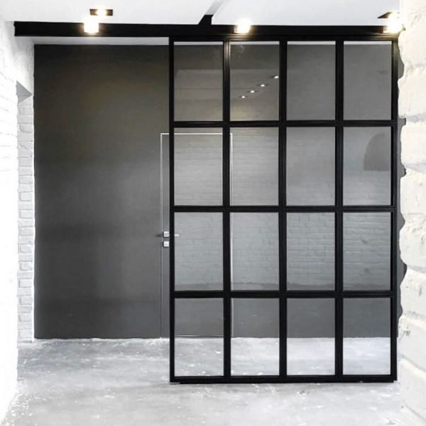 Трехстворчатая раздвижная дверь